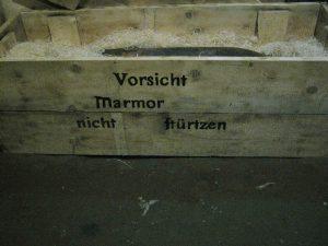 Vorsicht Marmor - nicht stürzen!