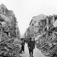 Wiesbaden unter Feuer: So sah die Stadt nach der Bombennacht aus
