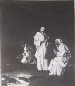 """Eduard von Grützner """"Die Likörprobe"""", Öl auf Leinwand, 87,5 x 80 cm"""
